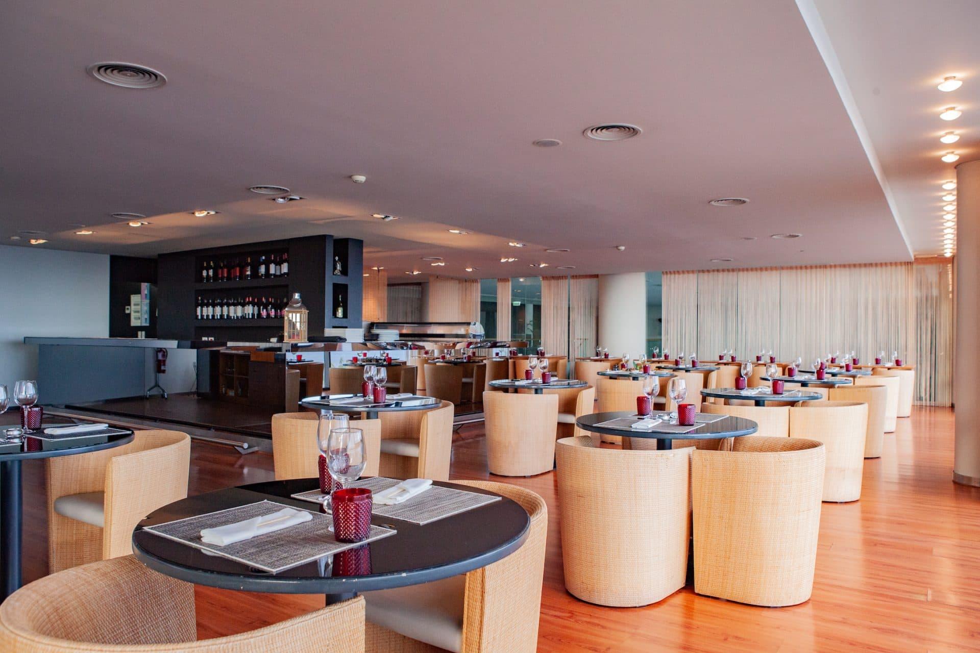 koi-sushi-restaurant-interior-VidaMar-Hotels-Resorts
