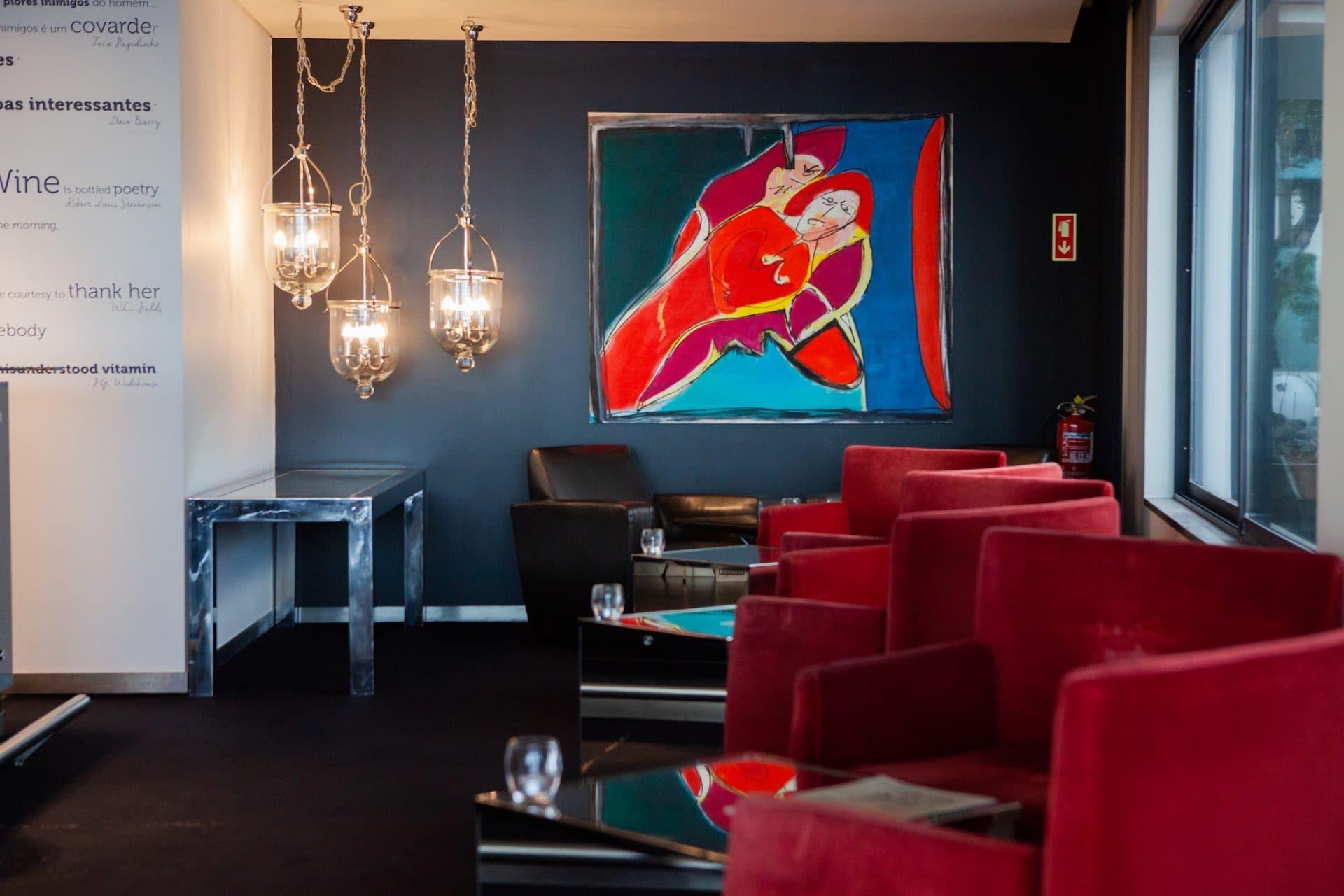 lisboa-bar-space-VidaMar-Hotels-Resorts-Madeira