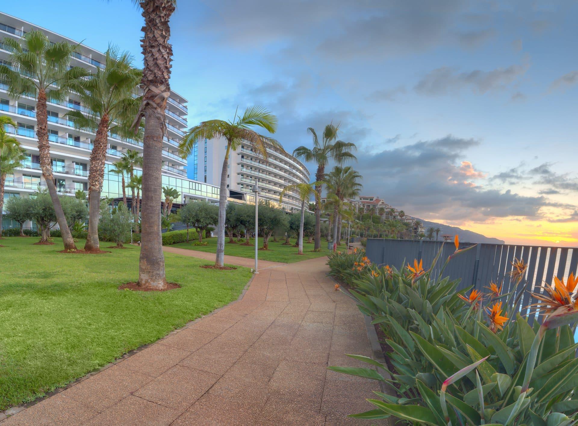 resort-gardens-VidaMar-hotels-resorts-madeira
